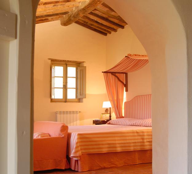 04 - Villa location Montecucco chambre rose