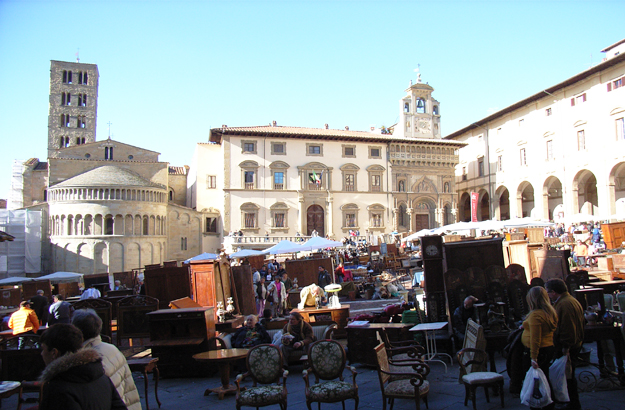 On market days, the Grande Piazza bustles with people and fine bargains.