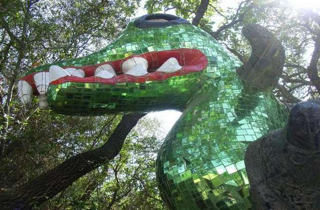 Jardn de Tarots Niki de Saint Phalle