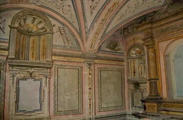 Wall paintings Santa Chiara