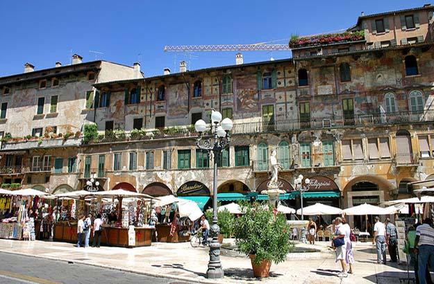 Verona Ppiazza delle Erbe