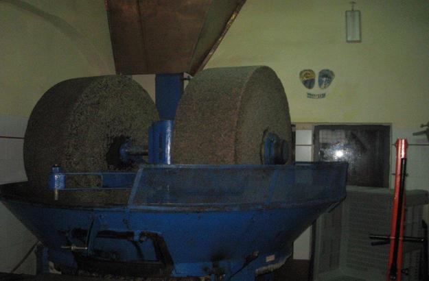Die Mühle von San Quirico, wo die frische geernteten Oliven gepresst werden.