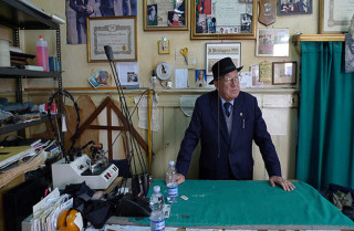 Maestro Trabalza, wie man ihn Tag um Tag in seinem Atelier sehen kann. ©Luigi Frappi