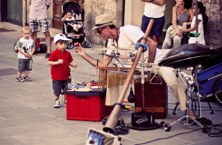 Hey, how do you do, young man?  Wanna play some glockenspiel?   ©Fabio