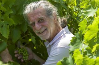 Francesco, glücklich wie ein König im Herzen seines Weingarten-Experiments.