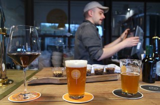 Man sagt, Bier ist Menschenwerk, aber Wein ist von Gott – ob das stimmt?