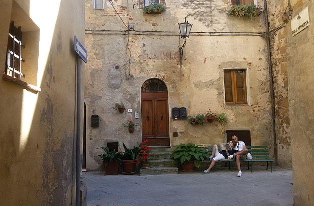 « So sind sie, die Italiener : Dauernd umarmen sie sich » D.H.Lawrence