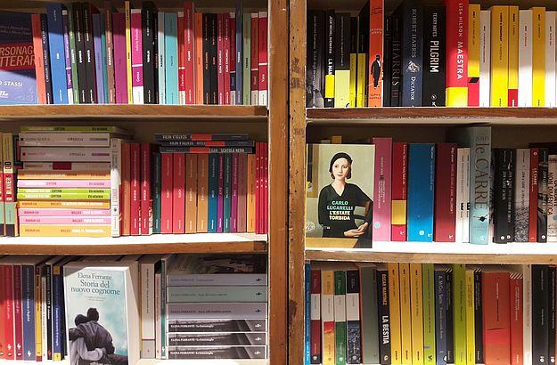 Die Qual der Wahl: In der Buchhandlung findet man über 15.000 Titel