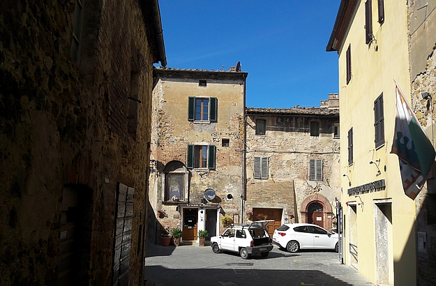 Francesca's boutique is located on Montisi's main piazza.