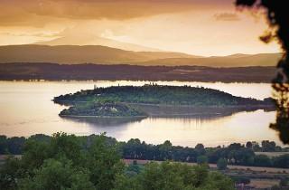 Die Insel Maggiore – hier lebte Franz von Assisi 40 Tage als Einsiedler.
