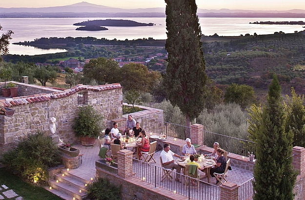 A terrace dinner with a breathtaking view, at the Convento dei Capuccini