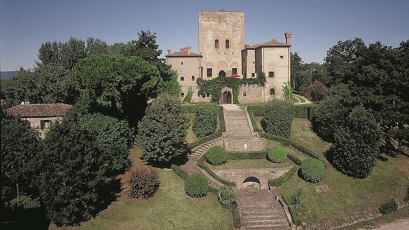 Le château situé dans ce domaine est la demeure du propriétaire du domaine. C'est aussi dans ce château qu'est situé le Bed & Breakfast