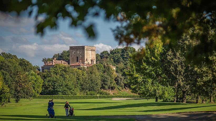 Vue sur le Castello La Montecchia depuis le golf.