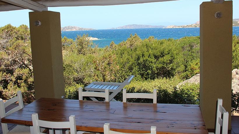 villa dell 39 orso luxusvilla direkt am meer in sardinien zu mieten. Black Bedroom Furniture Sets. Home Design Ideas