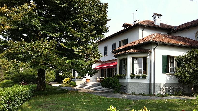 San Bastiano est située en hauteur sur les collines au sud de Vicense.