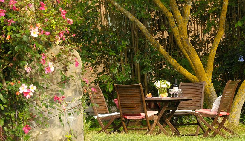 Ebenerdiges apartment mit pool am strand in der maremma for Secret garden pool novaliches