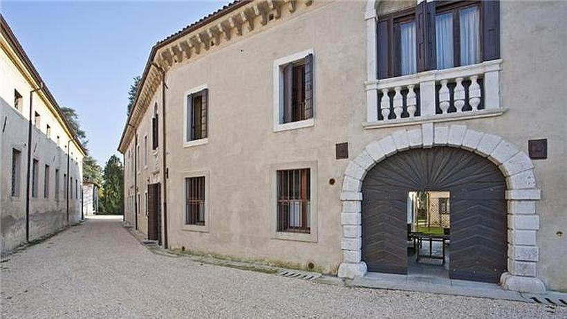 brandolini rota resort urlaub auf einem weingut in venetien. Black Bedroom Furniture Sets. Home Design Ideas