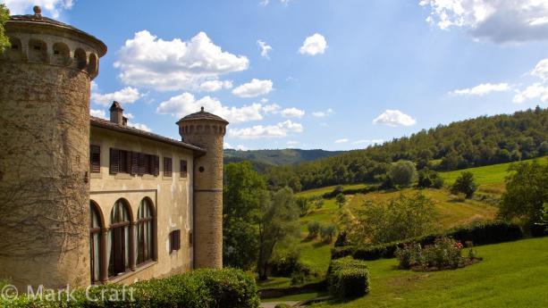 Vue sur le château de Galbino ainsi que le magnifique paysage qui l'entoure.